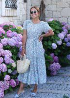 mavi-lila-cicekli-elbise